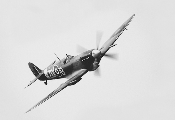 SUPERMARINE SPITFIRE [MK IX] by Eric Davies - Morriston Ccamera Club